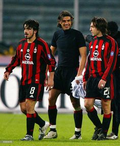 Football Gif, Football Boys, Paolo Maldini, Zinedine Zidane, Ac Milan, Retro, Football Players, Liverpool, Superstar