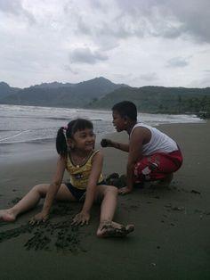 Maen pasir pantai