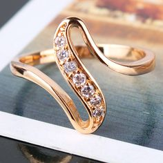 18k Gold Plated Ring White Crystal
