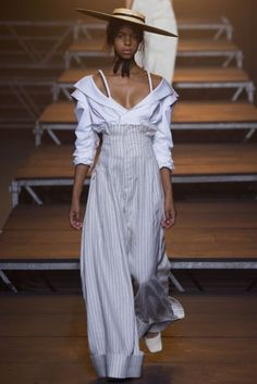 Jacquemus Spring/Summer 2017 Simple shirting fabrics and raw edged linens take on a new luxurious quality under Simon Porte Jacquemus's razor sharp construction.