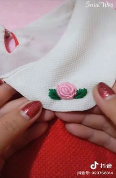 Amazing and creative ways of stitching and sewing. Hand Embroidery Videos, Hand Embroidery Stitches, Floral Embroidery, Beaded Embroidery, Sewing Art, Sewing Crafts, Applique Designs, Embroidery Designs, Crochet Projects