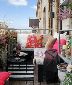 Outdoor Oasis on Balcony