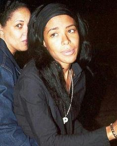 Aaliyah with no makeup Rip Aaliyah, Aaliyah Style, New York January, Aaliyah Haughton, 90s Girl, Black Actresses, Her Music, One In A Million, American Singers