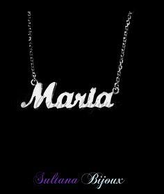 Colier din argint 925 personalizat cu numele MARIA. Realizam la comanda cu numele ales de d-voastra.  Lungime lant: 40 - 45 cm  Lantisor reglabil.  Numele se scrie cu litere caligrafice