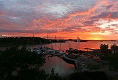 Welcome Weekend 🌅 Breakfast, archipelago Buffet lunch and dinner available. Midnight Sun, Archipelago, Lunches And Dinners, Buffet, Sunrise, Trail, Celestial, Breakfast, Outdoor