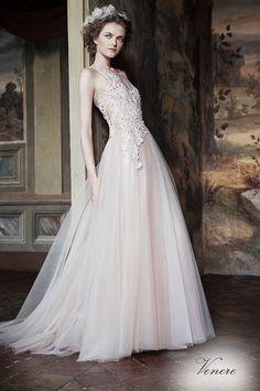 VENERE (Vestido de Novia). Diseñador: Alberta Ferretti. ...