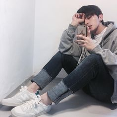 Pin by enigma on ulzzang boys Boys Korean, Korean Boys Ulzzang, Ulzzang Couple, Ulzzang Boy, Cute Korean, Asian Boys, Asian Men, Tumblr Outfits, Boy Outfits