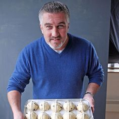 We caught up with Paul Hollywood who shared his maestro-like knowledge of making perfect, fluffy Easter fruit buns. Discover his tricks, alternative ideas and what to do if you have a hot cross surplus. British Baking Show Recipes, British Bake Off Recipes, Great British Bake Off, Paul Hollywood Hot Cross Buns, Paul Hollywood Bread, Easter Hot Cross Buns, Bread And Pastries, Dessert, International Recipes