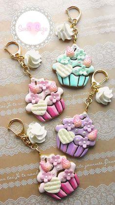 Polymer Clay Ornaments, Cute Polymer Clay, Polymer Clay Dolls, Polymer Clay Miniatures, Polymer Clay Charms, Polymer Clay Creations, Polymer Clay Jewelry, Clay Keychain, Clay Mugs