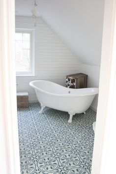 love the tiles! source: lillesverigehus