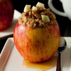 Apple Steel-Cut Oatmeal and more of the best healthy Christmas recipes on MyNaturalFamily.com #christmas #recipe