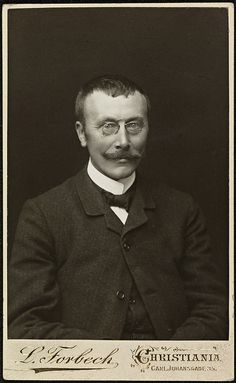 Portrett av Hans Aanrud by National Library of Norway, via Flickr