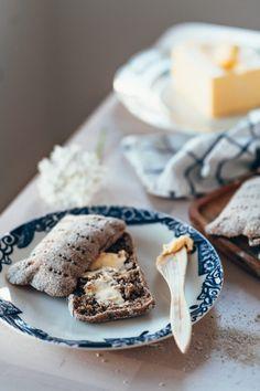 Helpot ruisleivät eli ruispalat kotona   Annin Uunissa Savory Pastry, Most Delicious Recipe, Recipies, Yummy Food, Bread, Cheese, Baking, Breakfast, Ethnic Recipes