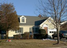 Amityville Renovated 4 Bedroom Expanded Cape