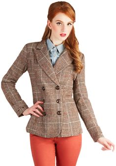 Charming Curator Blazer. Before hosting a tour of your gallerys latest exhibit, you frame your ensemble with this sharp, brown plaid blazer! #brown #modcloth