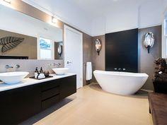 Modern bathroom design with freestanding bath using ceramic - Bathroom Photo 1712401