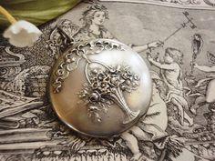花かご・ロケットペンダントトップ - イギリスとフランスのアンティーク | バラと天使のアンティーク | Eglantyne(エグランティーヌ)