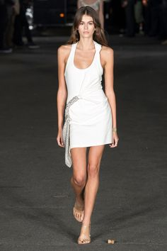 Alexander Wang Spring 2018 Ready-to-Wear  Fashion Show - Untitled / Lauren Tom / Sep 8th, 2017 @ 7:44