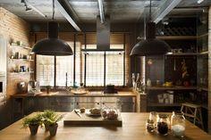 cuisine industrielle contemporaine- brique, bois, béton et métal