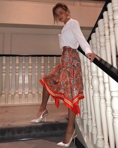 Fashion 2019 New Moda Style - fashion Fashion Mode, Modest Fashion, Fashion Beauty, Fashion Looks, Womens Fashion, Formal Fashion, Street Fashion, Retro Fashion, Mode Outfits