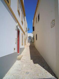 Albufeira, Algarve, Portogallo #StradeDelMondo © @aLionSleeps