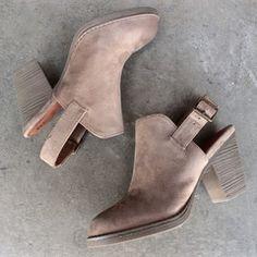 bc footwear like clockwork clog in sand