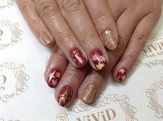 【No.25】Maple leaves painted with bold colour base. Gold flakes add the gorgeousness to the autumn  Nail.  ボルドーカラーと紅葉のペイントアートにゴールドをアクセントに足して秋らしく。 #vividnailsalonsydney#calgel#sydney#nail#nails#nailart#art#nalisalon#gelnail#japanesenailart#ネイル#ネイルアート#ジェルネイル#カルジェル#美甲#指甲