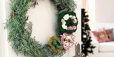 This Tiny House Breaks a Major Decorating Rule Grapevine Wreath, Grape Vines, Home Remodeling, Tiny House, Beautiful Homes, Christmas Wreaths, Floral Wreath, Holiday Decor, Interior