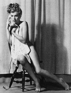 Congratulate, Marilyn monroe nude legs spread ideal answer