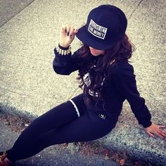 Hip hop style could be very inspiring. Check this one out, im just loving it! Hip Hop Outfit Girl, Hip Hop Outfits, Swag Outfits, Dope Outfits, Urban Outfits, Girly Outfits, Swag Style, My Style, Hip Hop Fashion