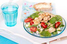 Salaatit ovat suosittua kesäruokaa Cobb Salad, Food, Meals
