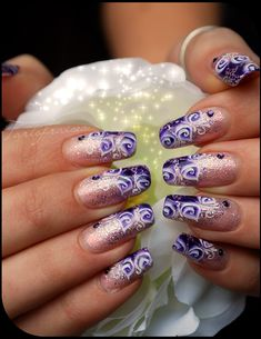 Beautiful nail art by Tartofraises, she has the most beautiful nails I've ever seen!