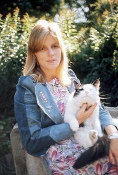 Linda Eastman-McCartney...and kitty