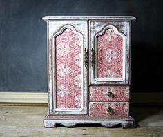decoupage shabby chic furniture