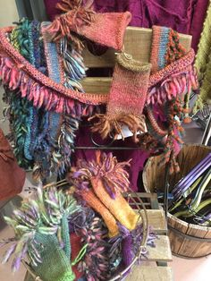 Burlap Wreath, Straw Bag, Wreaths, Knitting, Bags, Home Decor, Handbags, Decoration Home, Door Wreaths