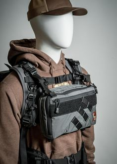 Real use gear for backcountry travelers Tactical Wear, Tactical Clothing, Tactical Survival, Survival Gear, Tactical Backpack, Survival Prepping, Materiel Camping, Tac Gear, Combat Gear