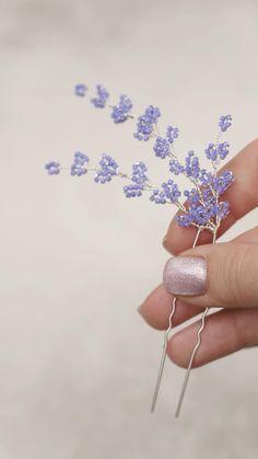 Handmade Wire Jewelry, Beaded Jewelry, Hair Jewelry, Jewellery, Diy Bracelets Patterns, Diy Hair Bows, Bracelet Crafts, Hair Beads, Bridal Hair Pins