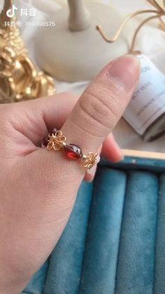 Diy Jewelry Unique, Handmade Wire Jewelry, Diy Crafts Jewelry, Wire Wrapped Jewelry, Diy Wire Jewelry Rings, Jewlery, Jewelry Ideas, Bead Jewellery, Beaded Jewelry