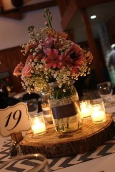 Mason Jar Wedding Centerpieces | Mason jar centerpiece | Wedding Ideas