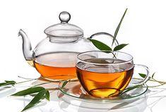 15 wirkungsvolle Tee-Rezepte gegen Pickel, Akne und unreine Haut. www.ihr-wellness-magazin.de
