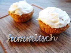 Möhrenmuffins mit Frischkäsetopping