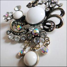 -Pure Sea Reefs Hijab Pin Brooch