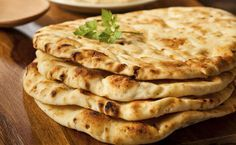 It is a simple naan recipe which is very easy to prepare and you will feel the joy after you taste this flatbread. This plain naan recipe is a complete treat for your tummy. Naan Sans Gluten, Gluten Free Naan, Gluten Free Recipes, Naan Recipe, Flatbread Recipes, Pizza Recipes, Cooking Recipes, Naan Flatbread, Cooking Time