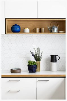 Modern Kitchen Design – Want to refurbish or redo your kitchen? As part of a modern kitchen renovation or remodeling, know that there are a . Modern Kitchen Backsplash, Kitchen Splashback Tiles, Backsplash Ideas, Backsplash Tile, Splashback Ideas, Herringbone Backsplash, Kitchen Modern, Tile Ideas, Splashbacks For Kitchens
