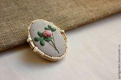 Купить Клевер на удачу - ручное украшение, оригинальное украшение, цветы, ботанический, иллюстрация, изысканный, винтажный