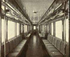 U-Bahn Berlin 1930 Innenansicht eines Wagens der Linie E Bahn Berlin, Vintage Trains, S Bahn, Cabaret, Public Transport, Historical Photos, Transportation, Germany, History