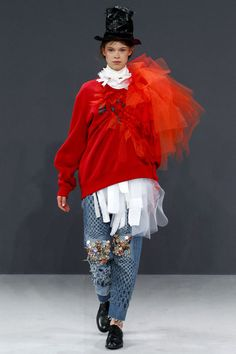 Haute Craft: Viktor & Rolf Couture Fall 2016 | Hint Fashion Magazine