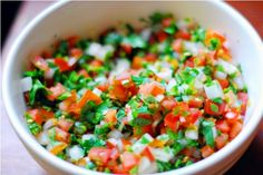 Pico De Gallo Salsa and Dip Mexican Food Recipes, Diet Recipes, Healthy Recipes, Ethnic Recipes, Mexican Appetizers, I Love Food, Good Food, Fun Food, Fresh Salsa Recipe