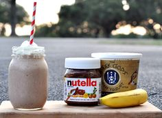 This Banana Nutella Smoothie Recipe is just sweet enough and a perfectly refreshing start to my day. Next time you are in the mood for a delicious sweet treat try this Banana Nutella Smoothie. Nutella Smoothie, Juice Smoothie, Smoothie Drinks, Smoothie Recipes, Grapefruit Smoothie, Detox Drinks, Breakfast Smoothies, Healthy Smoothies, Healthy Drinks