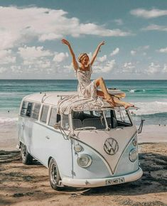 This is how I feel about all the new adventures that are starting from tomorrow on: Marrakech, Tulum, LA, Coachella, NY! Volkswagen Transporter, Volkswagen Bus, Vw T1, Volkswagen Beetles, Coachella, Wolkswagen Van, Jo And Judy, Vw California Beach, Collage Mural